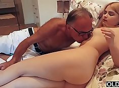 Her nanoshot Gets Her Kiss From Step Dad