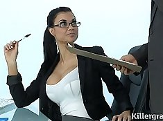 HOT MILF SLUT SUCK and VOYAGE the Cock doing his office job